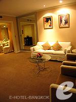 バンコク 王宮・カオサン周辺のホテル : ロイヤル プリンセス ラーン ルアン バンコク(Royal Princess Larn Luang Bangkok)のプリンセス スイートルームの設備 Dresser