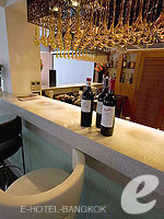 Bar : S Sukhumvit Suites Hotel, Couple & Honeymoon, Phuket