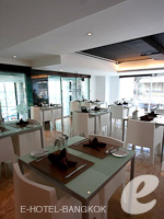 [Mazzanine Cafe] : S15 Sukhumvit Hotel, Couple & Honeymoon, Phuket