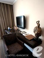 バンコク スクンビットのホテル : S15 スクンビット ホテル(S15 Sukhumvit Hotel)のデラックスルーム(シングル)ルームの設備 Writing Desk