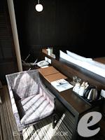 バンコク スクンビットのホテル : S15 スクンビット ホテル(S15 Sukhumvit Hotel)のジュニア スイート(ダブル)ルームの設備 Writing Desk