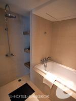 バンコク スクンビットのホテル : S15 スクンビット ホテル(S15 Sukhumvit Hotel)のビジネススイート(シングル)ルームの設備 Bath Room