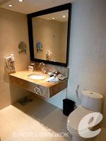 バンコク スクンビットのホテル : S15 スクンビット ホテル(S15 Sukhumvit Hotel)のビジネス スイート(ダブル)ルームの設備 Bath Amenities