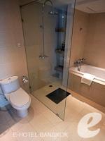 バンコク スクンビットのホテル : S15 スクンビット ホテル(S15 Sukhumvit Hotel)のビジネス スイート(ダブル)ルームの設備 Bath Room