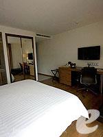 バンコク スクンビットのホテル : サチャズ ホテル ウノ(Sacha's Hotel Uno)のデラックス(ダブル)ルームの設備 Bedroom