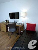 バンコク スクンビットのホテル : サチャズ ホテル ウノ(Sacha's Hotel Uno)のデラックス(ダブル)ルームの設備 Sitting Area