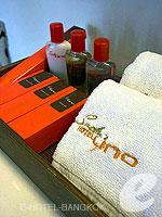 バンコク スクンビットのホテル : サチャズ ホテル ウノ(Sacha's Hotel Uno)のデラックス(ダブル)ルームの設備 Bath Amenities