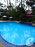 Swimming Pool : Safari Beach Hotel, Beach Front, Phuket