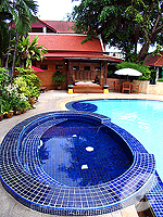 Jacuzzi : Safari Beach Hotel, Family & Group, Phuket