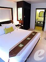 プーケット オーシャンビューのホテル : サファリ ビーチ ホテル(Safari Beach Hotel)のサファリデラックスルームの設備 Bedroom