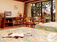 プーケット オーシャンビューのホテル : サファリ ビーチ ホテル(1)のお部屋「コンテンポラリー タイ ファミリー」