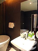 プーケット オーシャンビューのホテル : サファリ ビーチ ホテル(Safari Beach Hotel)のビーチウィングデラックスルームの設備 Bathroom