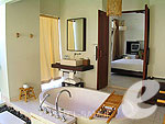 サムイ島 フィットネスありのホテル : サラ サムイ チョンモンビーチ リゾート(SALA Samui Choengmon Beach Resort)のガーデン プール ヴィラルームの設備 Bath Room