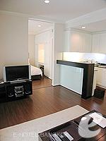 バンコク シーロム・サトーン周辺のホテル : サラデーン コロネード(Saladaeng Colonnade)のスタジオルームの設備 Living Area