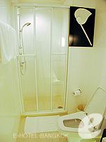 バンコク シーロム・サトーン周辺のホテル : サラデーン コロネード(Saladaeng Colonnade)のスタジオルームの設備 Bathroom