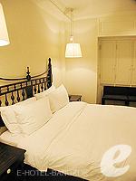 Bedroom : Deluxe (1 Bed Room) at Saladaeng Colonnade, Silom Sathorn, Bangkok