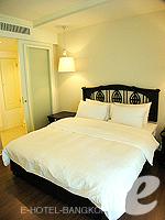 バンコク シーロム・サトーン周辺のホテル : サラデーン コロネード(Saladaeng Colonnade)のデラックス 2ベッドルームルームの設備 Bedroom
