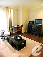 Living Area : 2 Bed Room Deluxe at Saladaeng Colonnade, Silom Sathorn, Bangkok