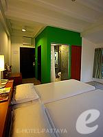 パタヤ ノースパタヤのホテル : サンダレー リゾート(Sandalay Resort)のスタンダード ルームルームの設備 Bedroom