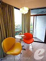 パタヤ ノースパタヤのホテル : サンダレー リゾート(Sandalay Resort)のスタンダード ルームルームの設備 Sitting Area