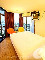 パタヤ ノースパタヤのホテル : サンダレー リゾート(Sandalay Resort)のスタンダード プラスルームの設備 Bedroom