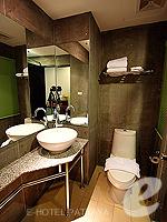 パタヤ ノースパタヤのホテル : サンダレー リゾート(Sandalay Resort)のスタンダード プラスルームの設備 Bathroom