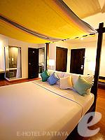 パタヤ ノースパタヤのホテル : サンダレー リゾート(Sandalay Resort)のデラックス プラスルームの設備 Bedroom