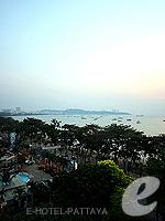 パタヤ ノースパタヤのホテル : サンダレー リゾート(Sandalay Resort)のデラックス プラスルームの設備 Sea View
