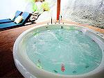 サムイ島 プライベートビーチありのホテル : サリカンタン リゾート & スパ(Sarikantang Resort & Spa)のオーシャンビュー ヴィラルームの設備 Bath Room