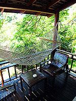 サムイ島 プライベートビーチありのホテル : サリカンタン リゾート & スパ(Sarikantang Resort & Spa)のスーペリアルームの設備 Balcony