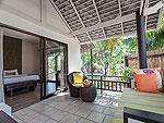 サムイ島 プライベートビーチありのホテル : サリカンタン リゾート & スパ(Sarikantang Resort & Spa)のデラックス ウィズ バスルームの設備 Balcony