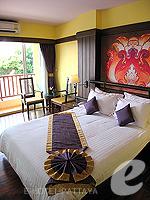 パタヤ ジョムティエンビーチのホテル : サリタ シャレー & スパ(Sarita Chalet & Spa)のデラックス ルームルームの設備 Bedroom