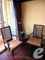 パタヤ ジョムティエンビーチのホテル : サリタ シャレー & スパ(Sarita Chalet & Spa)のデラックス ルームルームの設備 Sitting Area