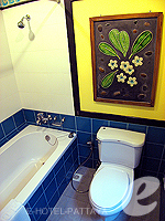 パタヤ ジョムティエンビーチのホテル : サリタ シャレー & スパ(Sarita Chalet & Spa)のデラックス ルームルームの設備 Bathroom