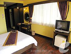 パタヤ ジョムティエンビーチのホテル : サリタ シャレー & スパ(1)のお部屋「デラックス ルーム」