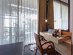 プーケット カタビーチのホテル : サワディー ヴィレッジ(Sawasdee Village)のガーデン デラックス ツインルームの設備 Writing Desk