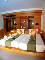 プーケット パトンビーチのホテル : シービュー パトン ホテル(Seaview Patong Hotel)のデラックス ツイン/ダブルルームの設備 Bed Room