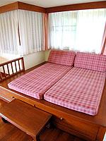プーケット 5,000~10,000円のホテル : シービュー パトン ホテル(Seaview Patong Hotel)のジュニア スイートルームの設備 Day Bed