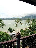 プーケット 5,000~10,000円のホテル : シービュー パトン ホテル(Seaview Patong Hotel)のジュニア スイートルームの設備 Balcony