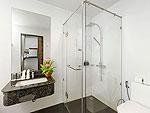 プーケット カロンビーチのホテル : シークレット クリフ リゾート(Secret Cliff Resort & Restaurant)のファミリー デラックス オーシャンビュールームの設備 Bath Room