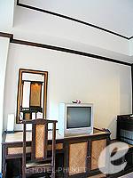 プーケット 5,000円以下のホテル : シーカ ブティック リゾート(Seeka Boutique Resort)のデラックス(ダブル/ツイン)ルームの設備 Writing Desk