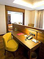 サムイ島 2ベッドルームのホテル : シャサ リゾート & レジデンス コ サムイ(ShaSa Resort & Residences Koh Samui)のシービュースイート(2ベッドルーム)ルームの設備 Desk