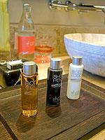 サムイ島 2ベッドルームのホテル : シャサ リゾート & レジデンス コ サムイ(ShaSa Resort & Residences Koh Samui)のシービュースイート(2ベッドルーム)ルームの設備 Bath Amenities