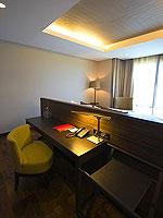 サムイ島 2ベッドルームのホテル : シャサ リゾート & レジデンス コ サムイ(ShaSa Resort & Residences Koh Samui)のシービュースイート(3ベッドルーム)ルームの設備 Desk