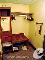 バンコク スクンビットのホテル : シェラトン グランデ スクンビット(Sheraton Grande Sukhumvit)のデラックスルームの設備 Changing Space
