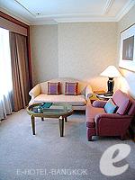 バンコク スクンビットのホテル : シェラトン グランデ スクンビット(Sheraton Grande Sukhumvit)のグランデ スイートルームの設備 Living Room