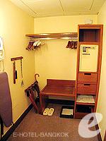 バンコク スクンビットのホテル : シェラトン グランデ スクンビット(Sheraton Grande Sukhumvit)のグランデ スイートルームの設備 Closet