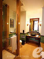Pool Terrace View : Garden View Room (6000-9000บาท) โรงแรมในพัทยา, ประเทศไทย