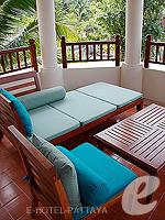 パタヤ サウスパタヤのホテル : インターコンチネンタル パタヤ リゾート(Inter Continental Pattaya Resort)のデラックス パビリオン ルーム ルームの設備 Balcony