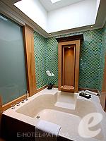 パタヤ サウスパタヤのホテル : インターコンチネンタル パタヤ リゾート(Inter Continental Pattaya Resort)のデラックス パビリオン ルーム ルームの設備 Bathroom